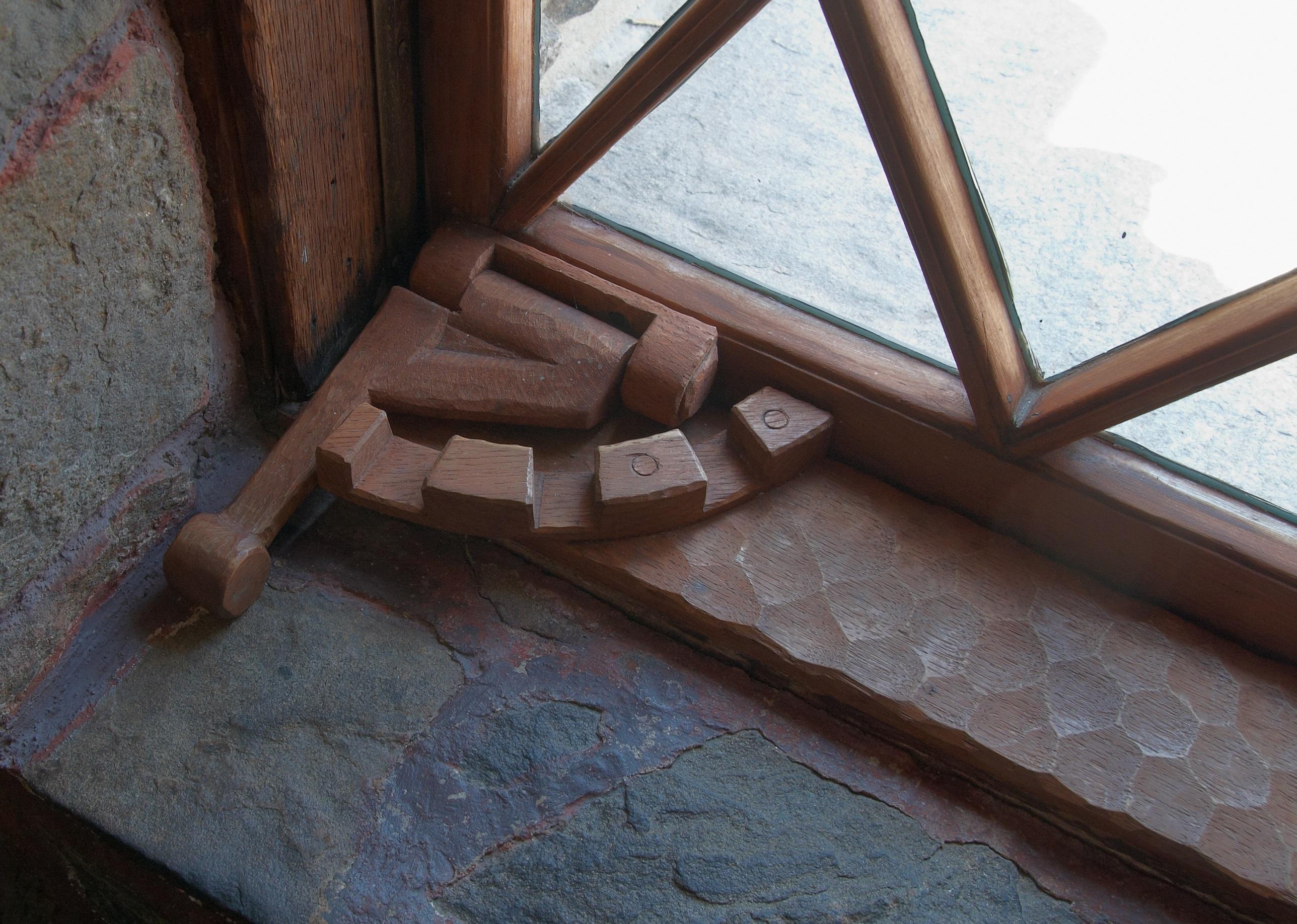 Gillette_Castle_window_latch